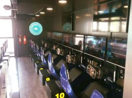 Descubre el eSports Arena Truck de Cloud Sport