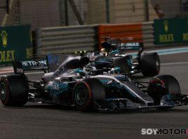 Bottas cierra 2017 con victoria; Alonso 9º, Sainz KO