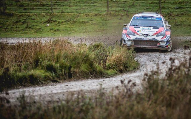 Rally Gran Bretaña 2018: Ogier gana y aprieta el campeonato