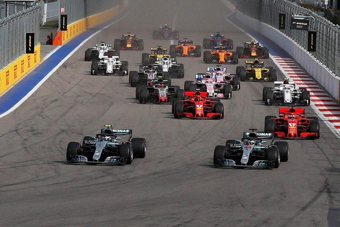 Bottas se sacrifica para que Hamilton gane en Rusia, Vettel 3º
