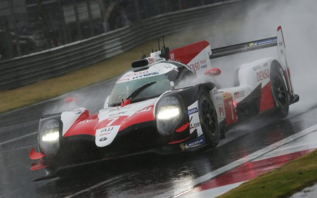 La estrategia condena a Alonso, gana el Toyota #7