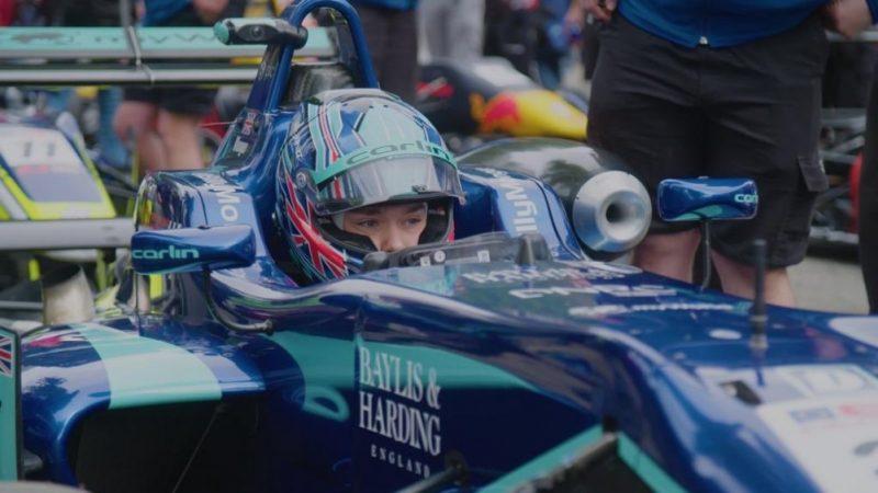 Billy Monger brilla bajo la lluvia para ganar en Pau